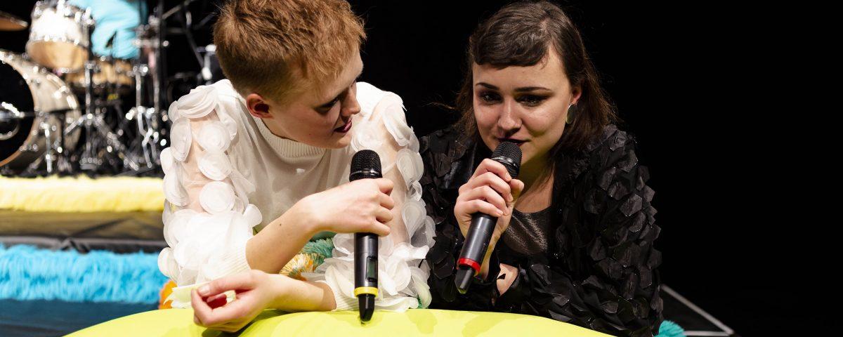 Bild-233 IBL Zeynep und Svea kl
